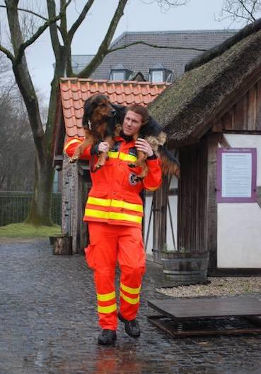 Hunde-Retten-Menschen-Senco